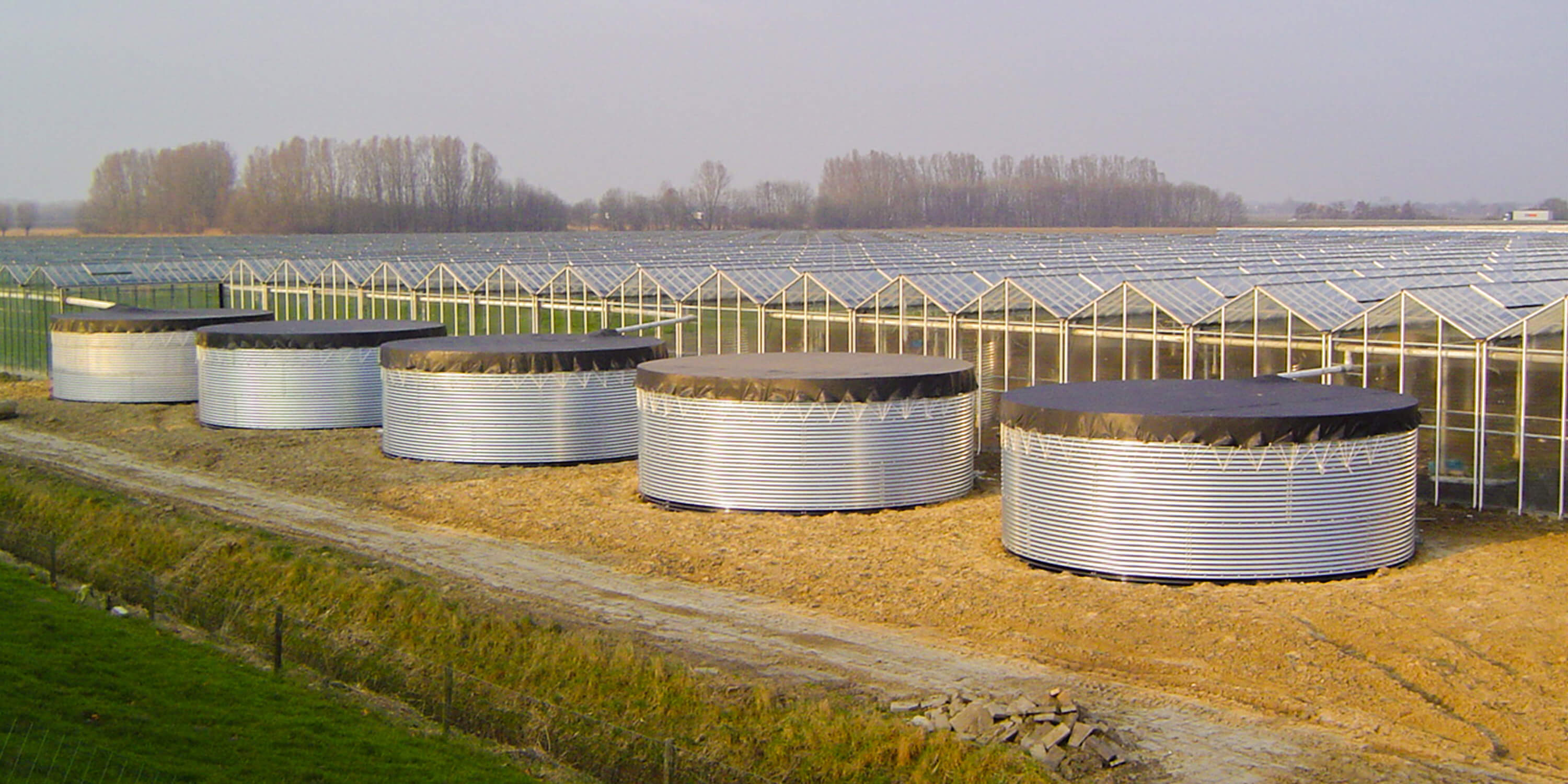 greenhouse irrigation tanks